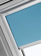 dachfenster rollo velux und itzala rollos f r dachfenster dachfenster rollo. Black Bedroom Furniture Sets. Home Design Ideas